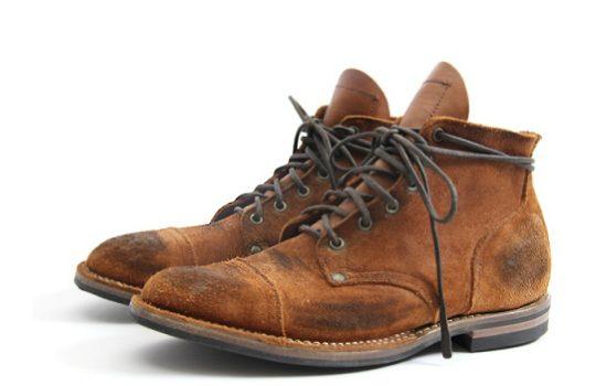 botas-hombre-marron-desgastadas
